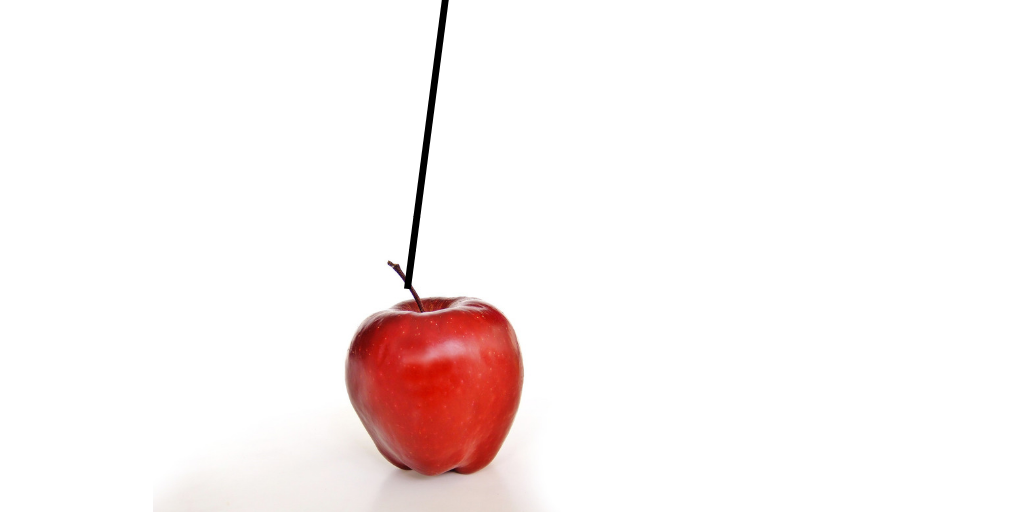 apple on string final